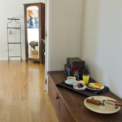 Отель YOURS GuestHouse Porto 4* Стандартный номер двуспальная кровать (общая ванная комната) фото 4