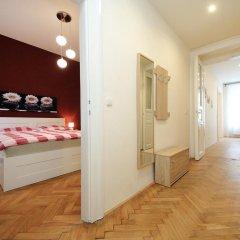 Отель Historic Centre Apartments V Чехия, Прага - отзывы, цены и фото номеров - забронировать отель Historic Centre Apartments V онлайн комната для гостей фото 2