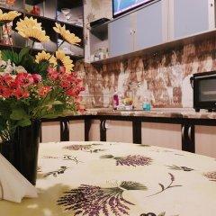 Отель Like Home Guest Rooms в номере