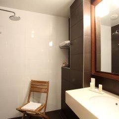 Отель Little Palace Hotel Франция, Париж - 7 отзывов об отеле, цены и фото номеров - забронировать отель Little Palace Hotel онлайн ванная фото 2