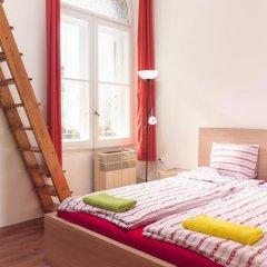 Pal's Hostel & Apartments Студия с различными типами кроватей фото 7