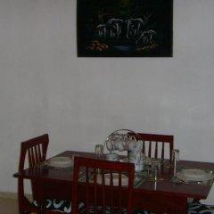 Отель Lassana Gedara Шри-Ланка, Хиккадува - отзывы, цены и фото номеров - забронировать отель Lassana Gedara онлайн интерьер отеля фото 2