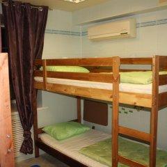 Len Inn Luxe Hostel Кровать в женском общем номере с двухъярусными кроватями