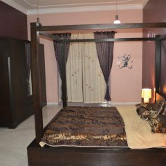 Отель Master Bedroom Al Nokhtha Street Апартаменты с различными типами кроватей