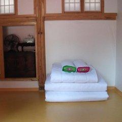 Отель Hyosunjae Hanok Guesthouse удобства в номере фото 2