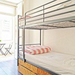 Liv'in Lisbon Hostel Кровать в общем номере с двухъярусной кроватью фото 3