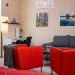 Отель Hotell Fridhemsgatan 3* Стандартный семейный номер с различными типами кроватей фото 10