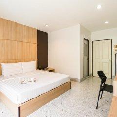 Отель The Fifth Residence 3* Улучшенный номер с двуспальной кроватью фото 11