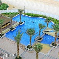 Отель Royal Club at Palm Jumeirah ОАЭ, Дубай - 5 отзывов об отеле, цены и фото номеров - забронировать отель Royal Club at Palm Jumeirah онлайн бассейн фото 2