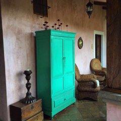 Отель La Casa Rosada Копан-Руинас сейф в номере