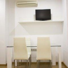 Отель Hostal El Arco Апартаменты с различными типами кроватей фото 29