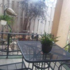 Апартаменты Jen 'N' Ive's Respite Apartment балкон