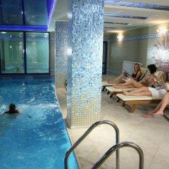 Отель Mountain Lake Hotel Болгария, Чепеларе - отзывы, цены и фото номеров - забронировать отель Mountain Lake Hotel онлайн бассейн фото 2