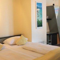 Отель Monopol Hotel Германия, Дюссельдорф - 8 отзывов об отеле, цены и фото номеров - забронировать отель Monopol Hotel онлайн комната для гостей фото 2