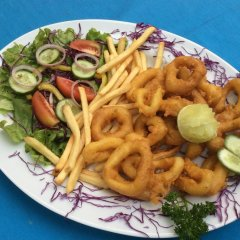 International Beach Hotel & Restaurant питание