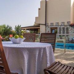 Отель Luxury Villa Karteros балкон