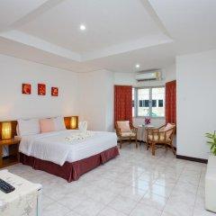 Отель Karon Sunshine Guesthouse & Bar 3* Улучшенный номер с различными типами кроватей фото 5