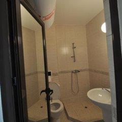 Отель Salt Lake Studios Болгария, Поморие - отзывы, цены и фото номеров - забронировать отель Salt Lake Studios онлайн ванная фото 2
