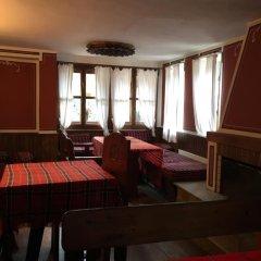 Отель Hadji Neikovi Guest Houses интерьер отеля фото 2
