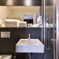 First Hotel Paris - Tour Eiffel ванная
