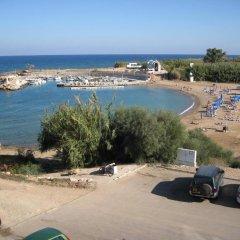 Отель Trident Beach Apartment Кипр, Протарас - отзывы, цены и фото номеров - забронировать отель Trident Beach Apartment онлайн пляж фото 2