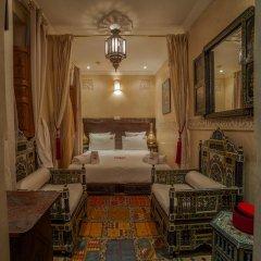 Отель Dar Ikalimo Marrakech 3* Стандартный номер с двуспальной кроватью фото 3