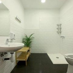 Отель The Hipstel Испания, Барселона - отзывы, цены и фото номеров - забронировать отель The Hipstel онлайн ванная