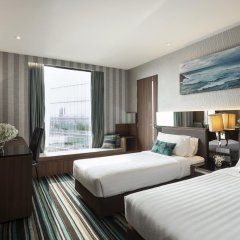 Отель The Continent Bangkok by Compass Hospitality 4* Стандартный номер с различными типами кроватей фото 30