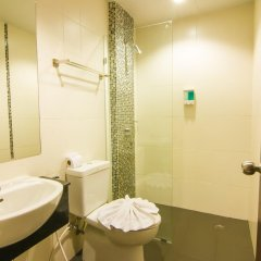 Отель Patong Hemingways Пхукет ванная
