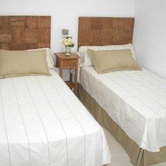 Отель Villa Cel Испания, Кала-эн-Бланес - отзывы, цены и фото номеров - забронировать отель Villa Cel онлайн комната для гостей фото 3