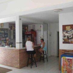 Апартаменты Irilena Apartments гостиничный бар