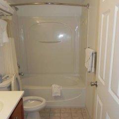 Отель Rodeway Inn - Niagara Falls США, Ниагара-Фолс - отзывы, цены и фото номеров - забронировать отель Rodeway Inn - Niagara Falls онлайн ванная фото 2