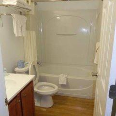Отель Rodeway Inn - Niagara Falls США, Ниагара-Фолс - отзывы, цены и фото номеров - забронировать отель Rodeway Inn - Niagara Falls онлайн ванная