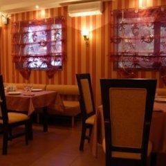 Гостиница 12 Стульев гостиничный бар