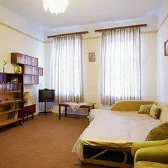 Гостиница Rent in Lviv Centre 2 комната для гостей фото 3