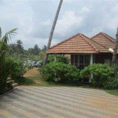 Отель Saffron Beach Шри-Ланка, Ваддува - отзывы, цены и фото номеров - забронировать отель Saffron Beach онлайн парковка