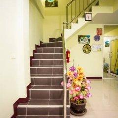 Отель Baan Prasert Guesthouse интерьер отеля