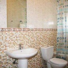 Отель Apartamentos La Palmera Испания, Кониль-де-ла-Фронтера - отзывы, цены и фото номеров - забронировать отель Apartamentos La Palmera онлайн ванная