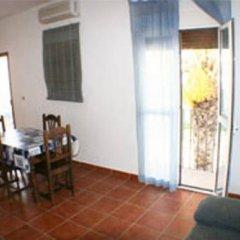 Отель Apartamentos La Palmera Испания, Кониль-де-ла-Фронтера - отзывы, цены и фото номеров - забронировать отель Apartamentos La Palmera онлайн комната для гостей фото 2