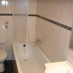 Отель am Hafen Германия, Дюссельдорф - отзывы, цены и фото номеров - забронировать отель am Hafen онлайн ванная