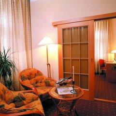 Отель Wellness Hotel Jean De Carro Чехия, Карловы Вары - отзывы, цены и фото номеров - забронировать отель Wellness Hotel Jean De Carro онлайн удобства в номере фото 2