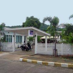 Отель Charlie's Bungalow Таиланд, Ко Сичанг - отзывы, цены и фото номеров - забронировать отель Charlie's Bungalow онлайн парковка