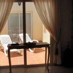 Отель Villas La Fuentita Испания, Лас-Плайитас - отзывы, цены и фото номеров - забронировать отель Villas La Fuentita онлайн балкон