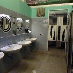 Отель Zebra Hostel Италия, Милан - отзывы, цены и фото номеров - забронировать отель Zebra Hostel онлайн ванная