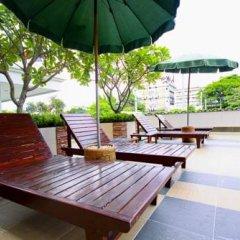 Отель The Laurel Suite Apartment Таиланд, Бангкок - отзывы, цены и фото номеров - забронировать отель The Laurel Suite Apartment онлайн бассейн фото 2