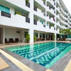 Отель The Laurel Suite Apartment Таиланд, Бангкок - отзывы, цены и фото номеров - забронировать отель The Laurel Suite Apartment онлайн бассейн фото 3