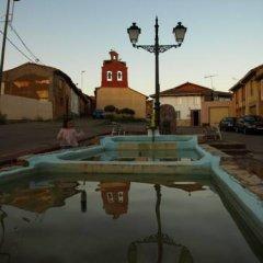 Отель El Peralón de León бассейн