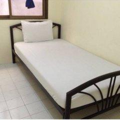 Отель Chart Guesthouse Бангкок комната для гостей фото 4