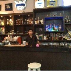 Отель Chart Guesthouse Бангкок гостиничный бар