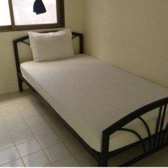 Отель Chart Guesthouse Бангкок комната для гостей фото 5
